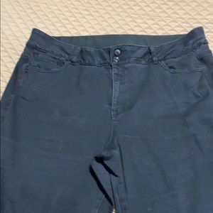 Size 20 boot cut jean-elastic waist inside